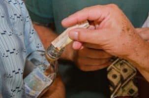 Donazione di strumenti finanziari a mezzo di bancogiro