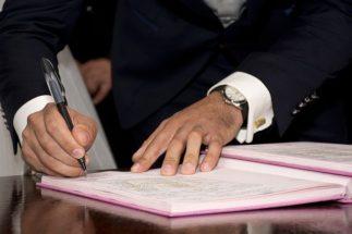 non è possibile separarsi e divorziare in comune se l'accordo prevede un assegno di mantenimento