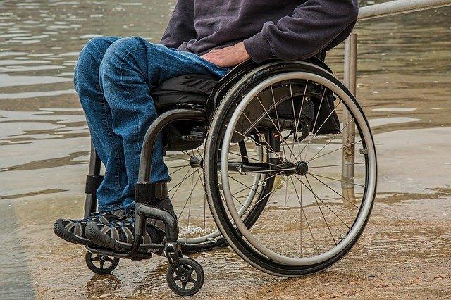 Il diritto del disabile ad utilizzare il bancomat