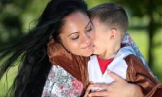 La madre che demolisce la figura paterna non perde l'affido e il collocamento del minore